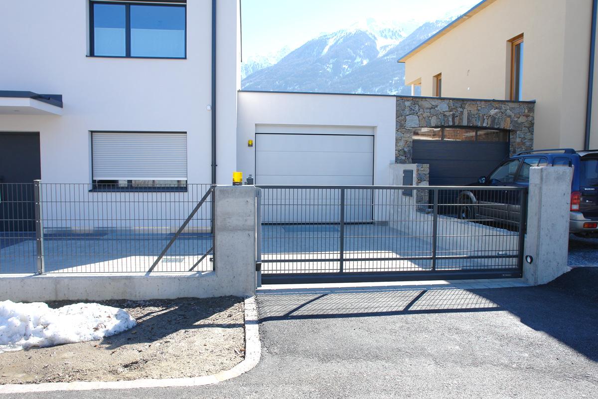 Wartungsfreie Alu Zaune Alu Balkone Und Zaunanlagen In Sudtirol