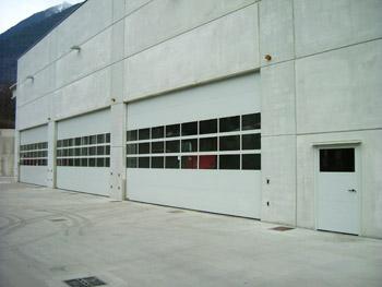 Portoni industriali chiusure speciali e portoni sezionali for Grandi pavimenti del garage