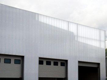 policarbonato per facciate finestrature pareti e pannelli. Black Bedroom Furniture Sets. Home Design Ideas