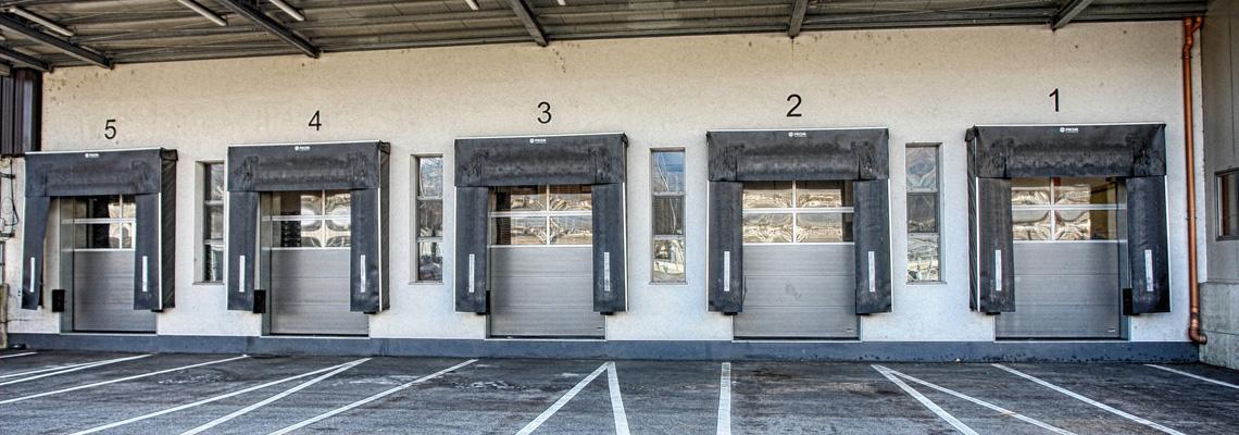 Pedane di carico, cancelli logistici e rampe di carico dal Trentino Alto Adige
